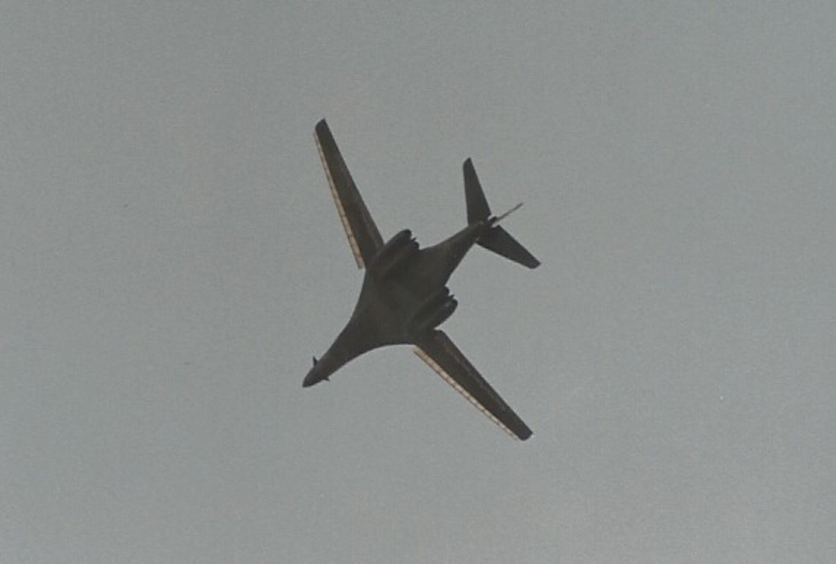 A B-1B in flight May 13, 1989.