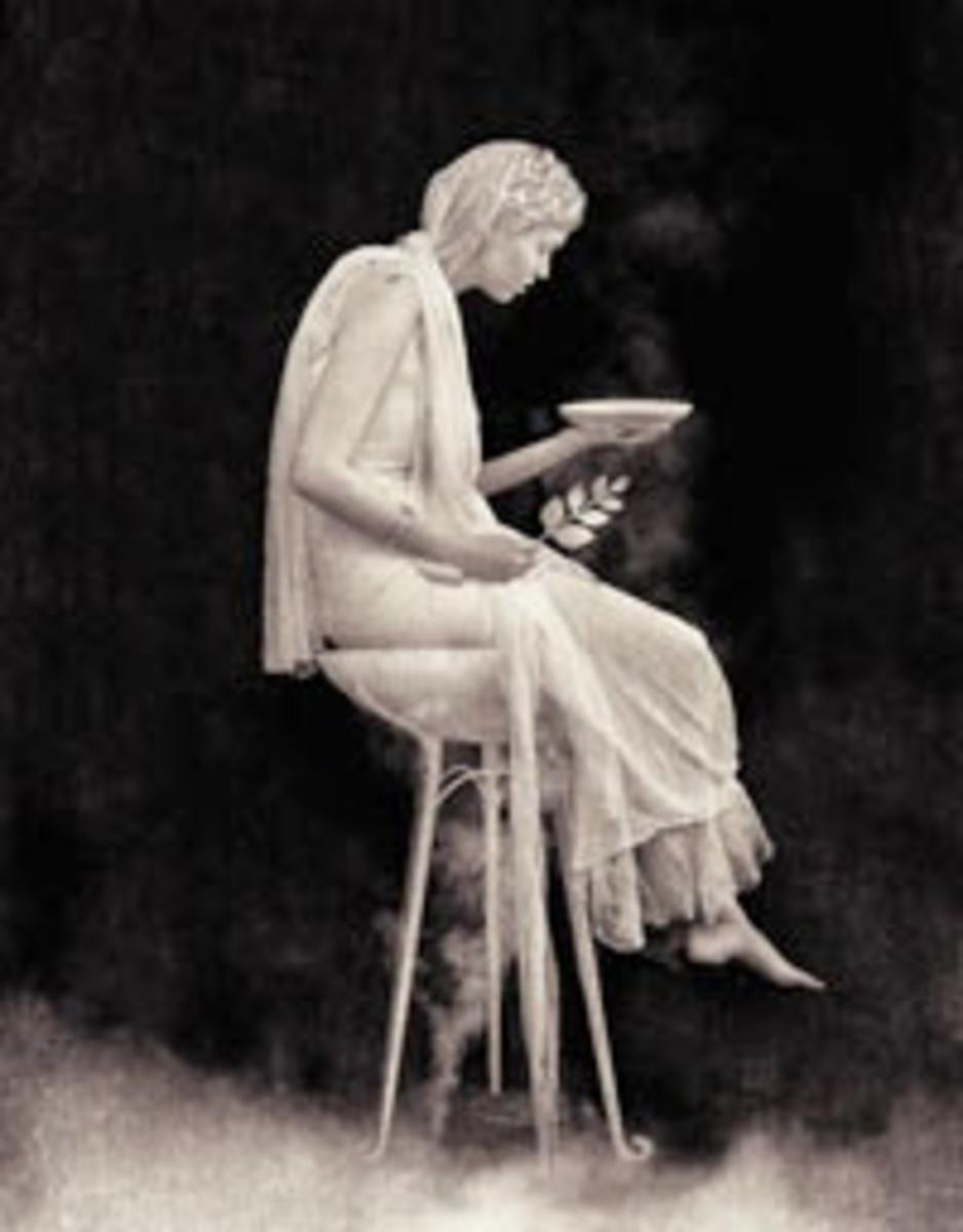 Statue of Pythia