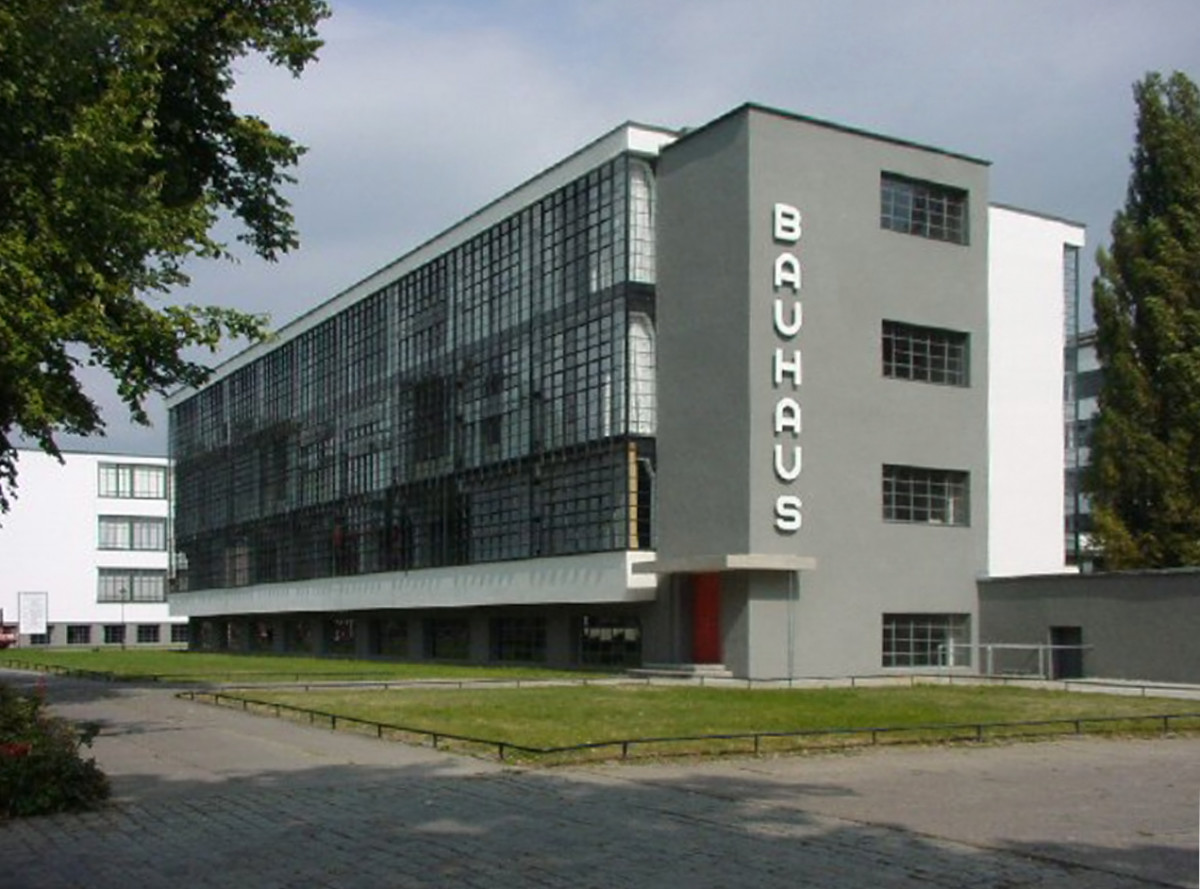 This Dessau building was designed by Bauhaus architects in the 20s. Even the lettering has a distinct Bauhaus style to it.