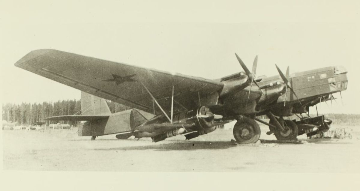 A Tupolev TB-3 with its 2 parasite I-16s.