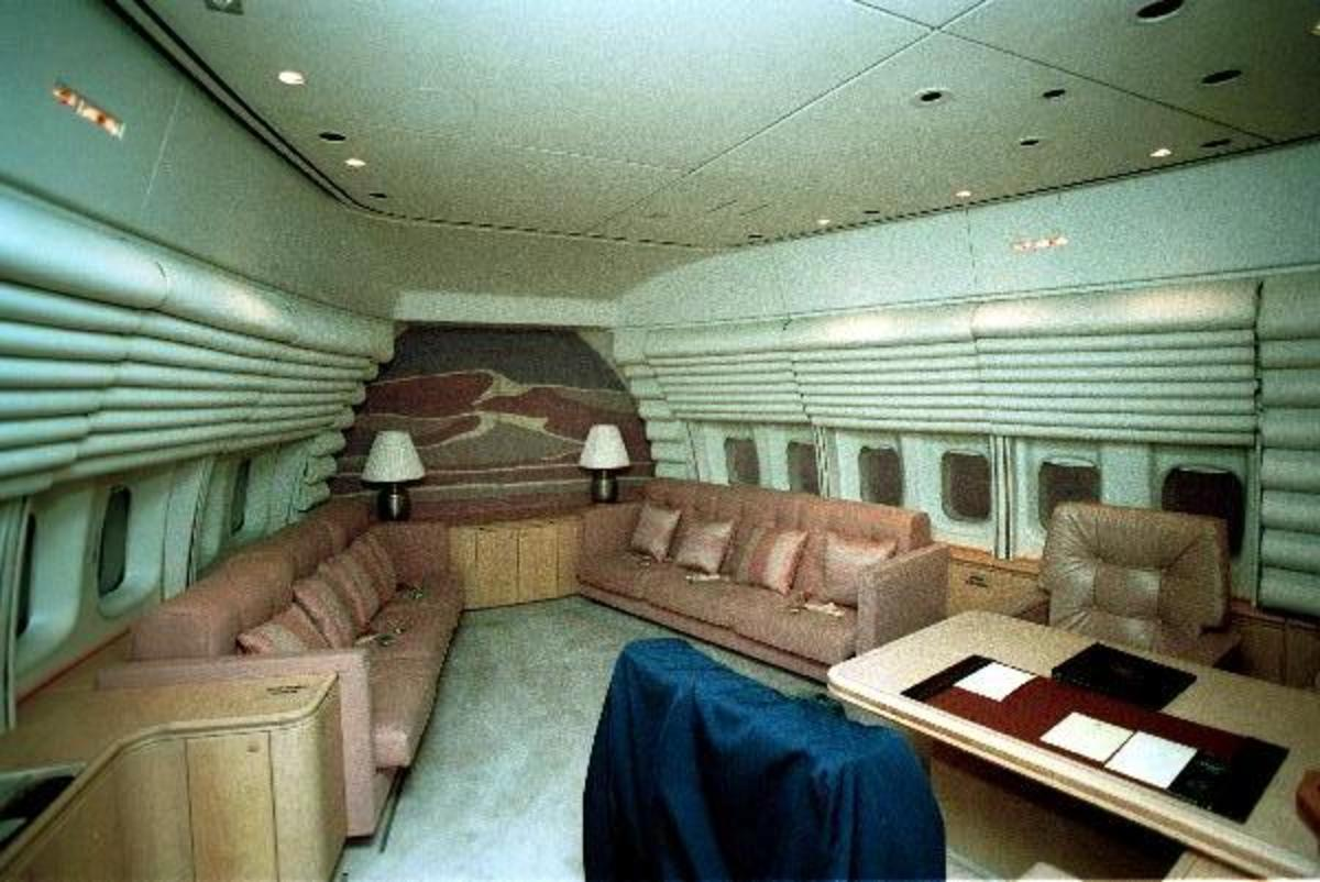 The President & First Lady quarters in the cabin of a VC-27A.