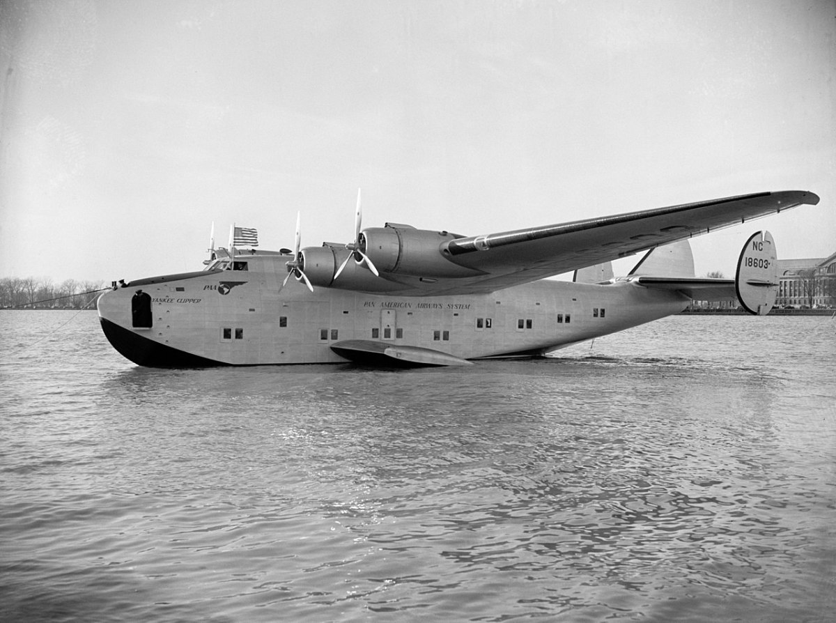 "A Pan Am Boeing 314 ""Yankee Clipper"".  Another Pan Am Boeing 314 ""Dixie Clipper"", served as a presidential aircraft for President Franklin D. Roosevelt."
