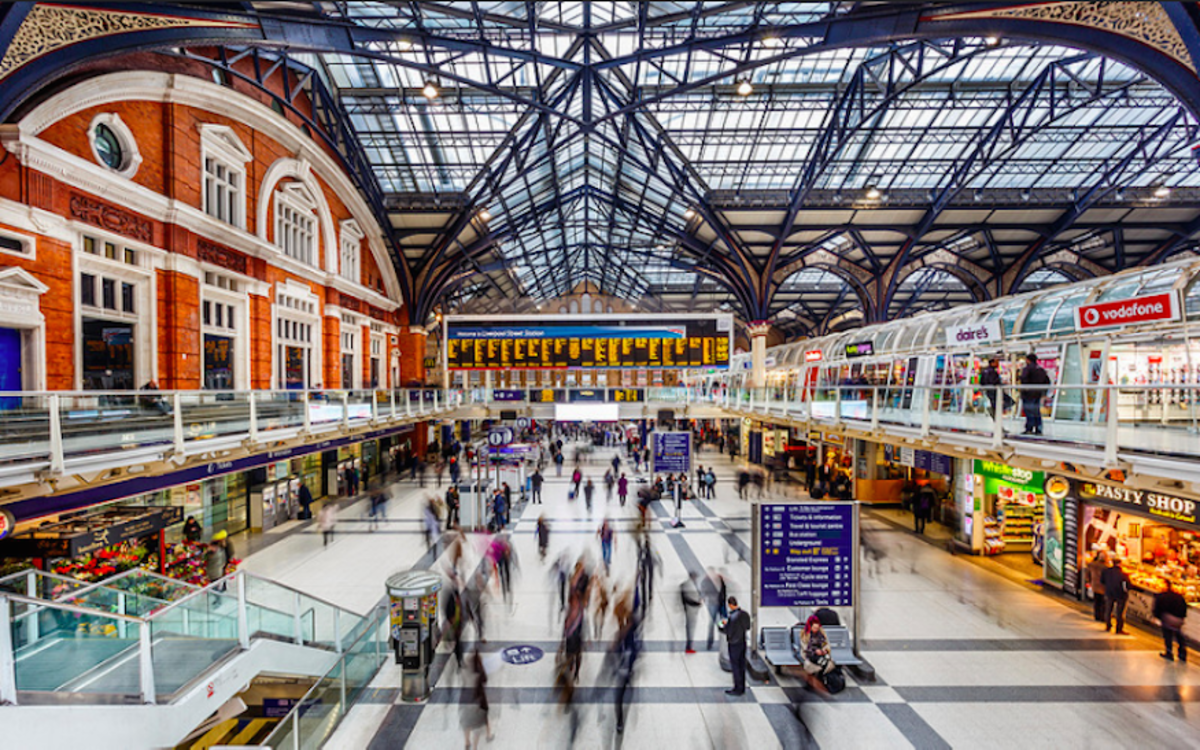 The main concourse in Liverpool Street Station