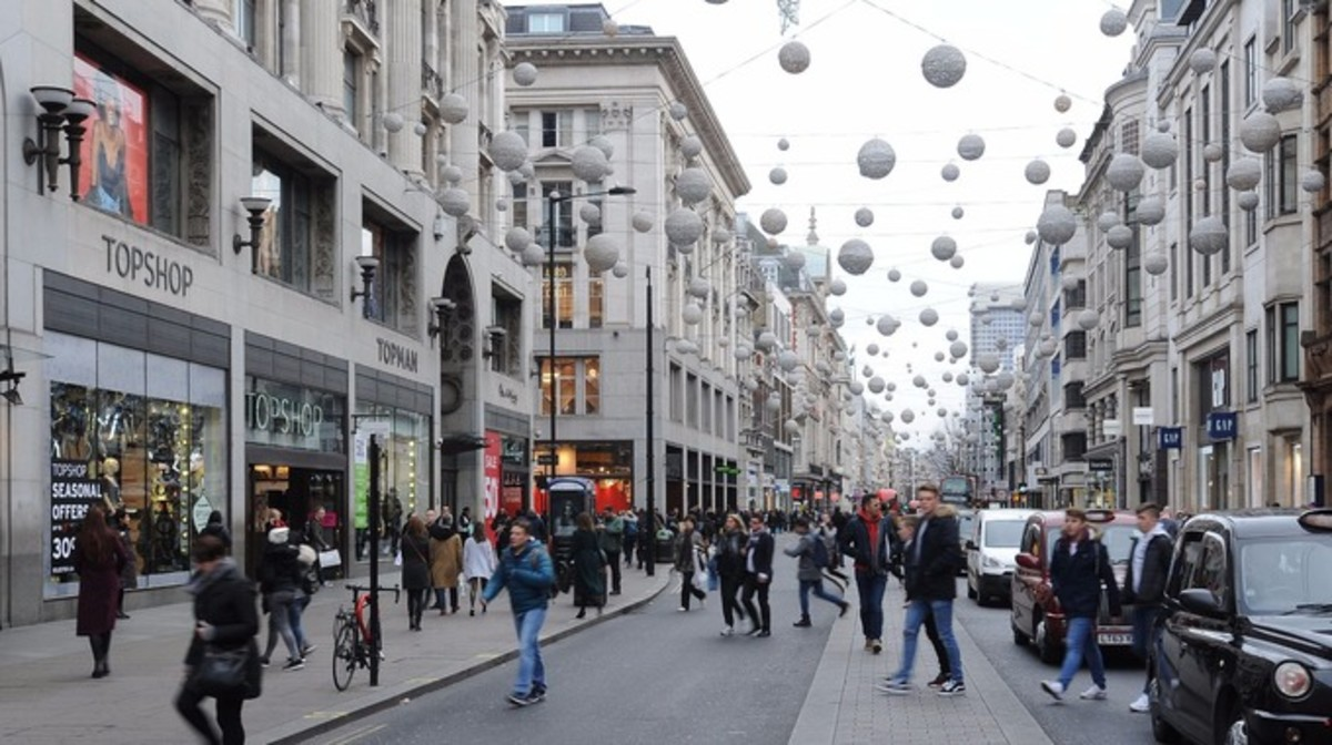 "Shopping ""Up-West"". The run up to Christmas in Oxford Street"