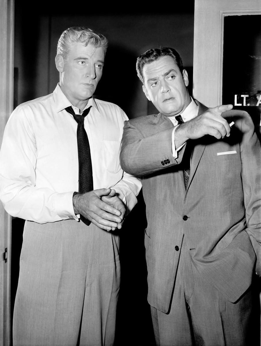 Paul Drake, (W. Hopper), private investigator and Perry Mason, (Raymond Burr)1959.