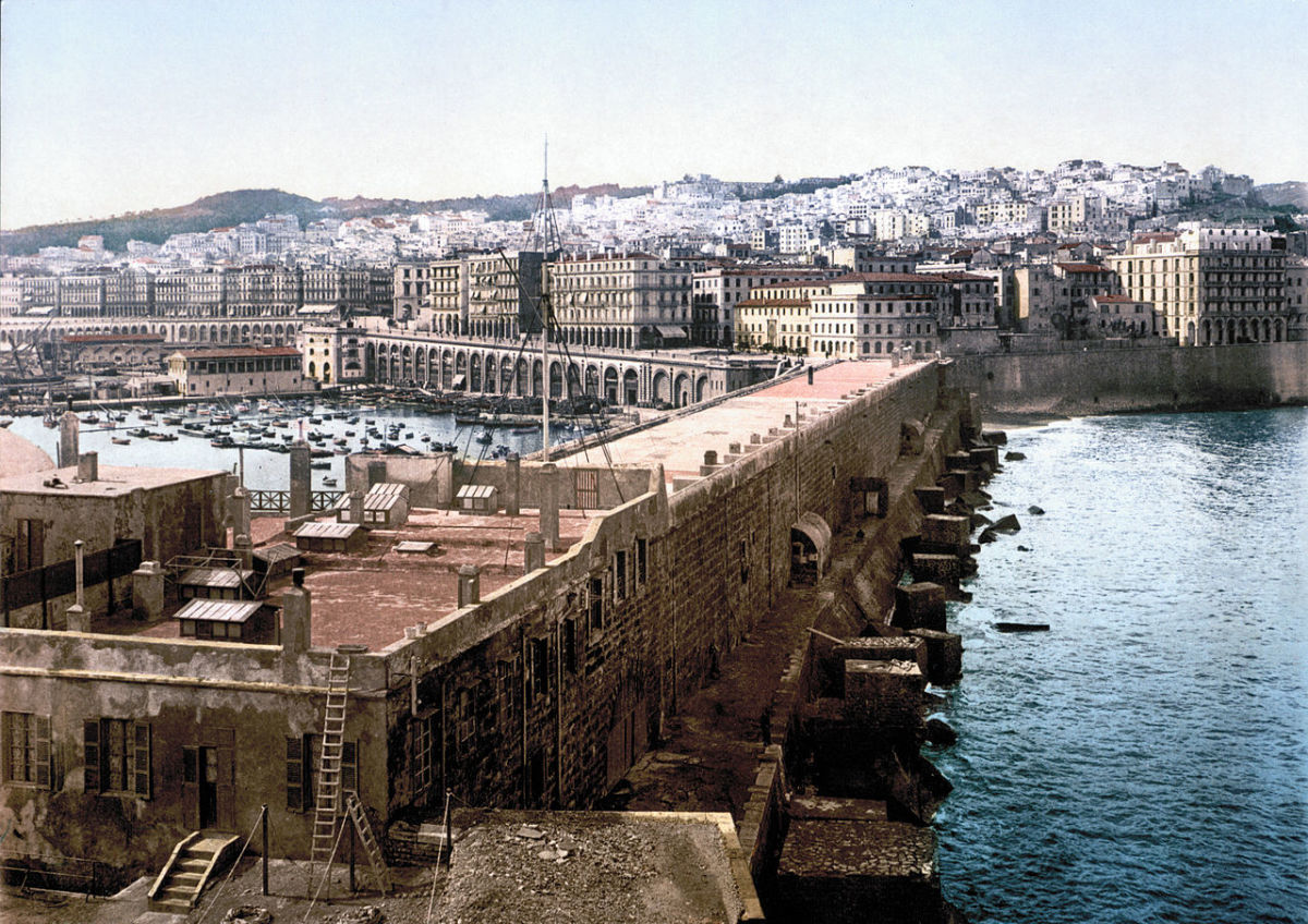 The European-looking city of Algiers in 1899: imagines like it would be a feature of the Pied Noir inspired books.
