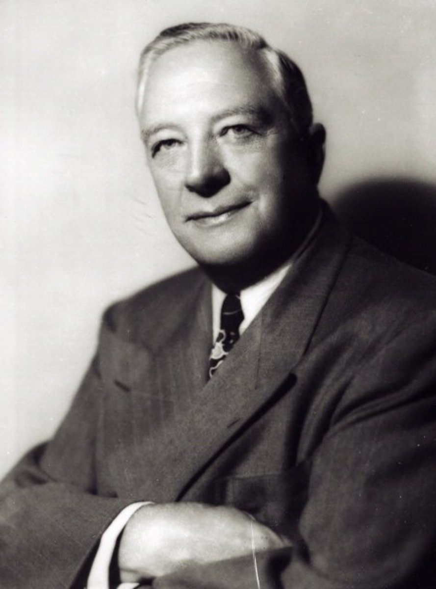 Thomas Elmer Braniff in 1950, Braniff Founder and its first President.