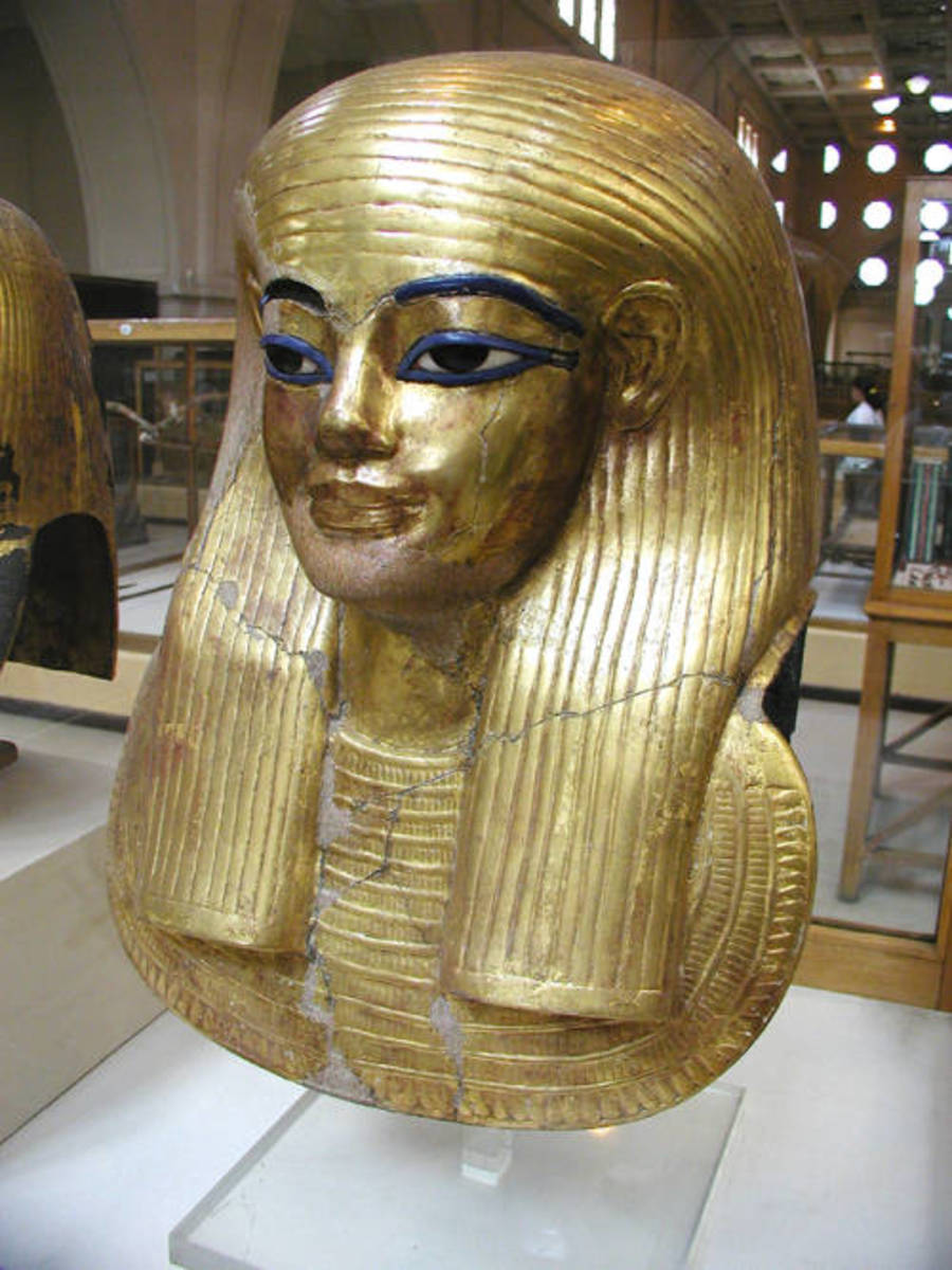 Mummy of Ahmose-Sitkamose, one of the Great Royal Wives of pharaoh Ahmose, found in DB320.