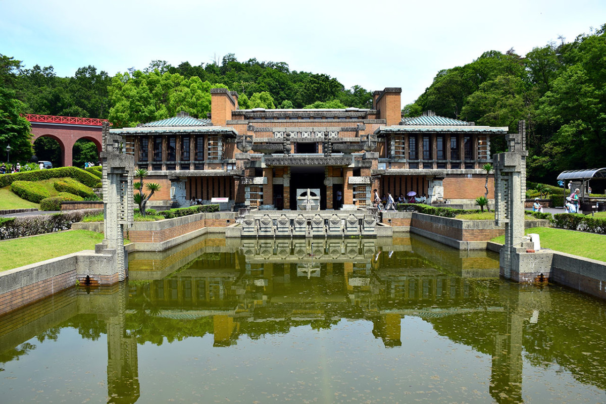 The Meiji Mura theme park showcases several architectural gems from the Meiji and Taishō Period. These structures are noted for their harmonious mix of Eastern and Western elements.