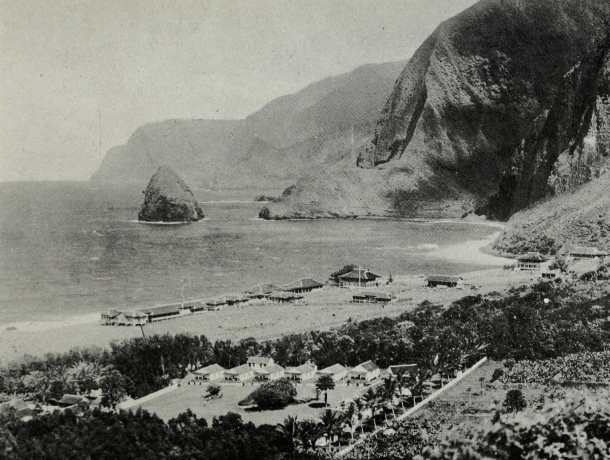 An early photo of the colony on Molokai