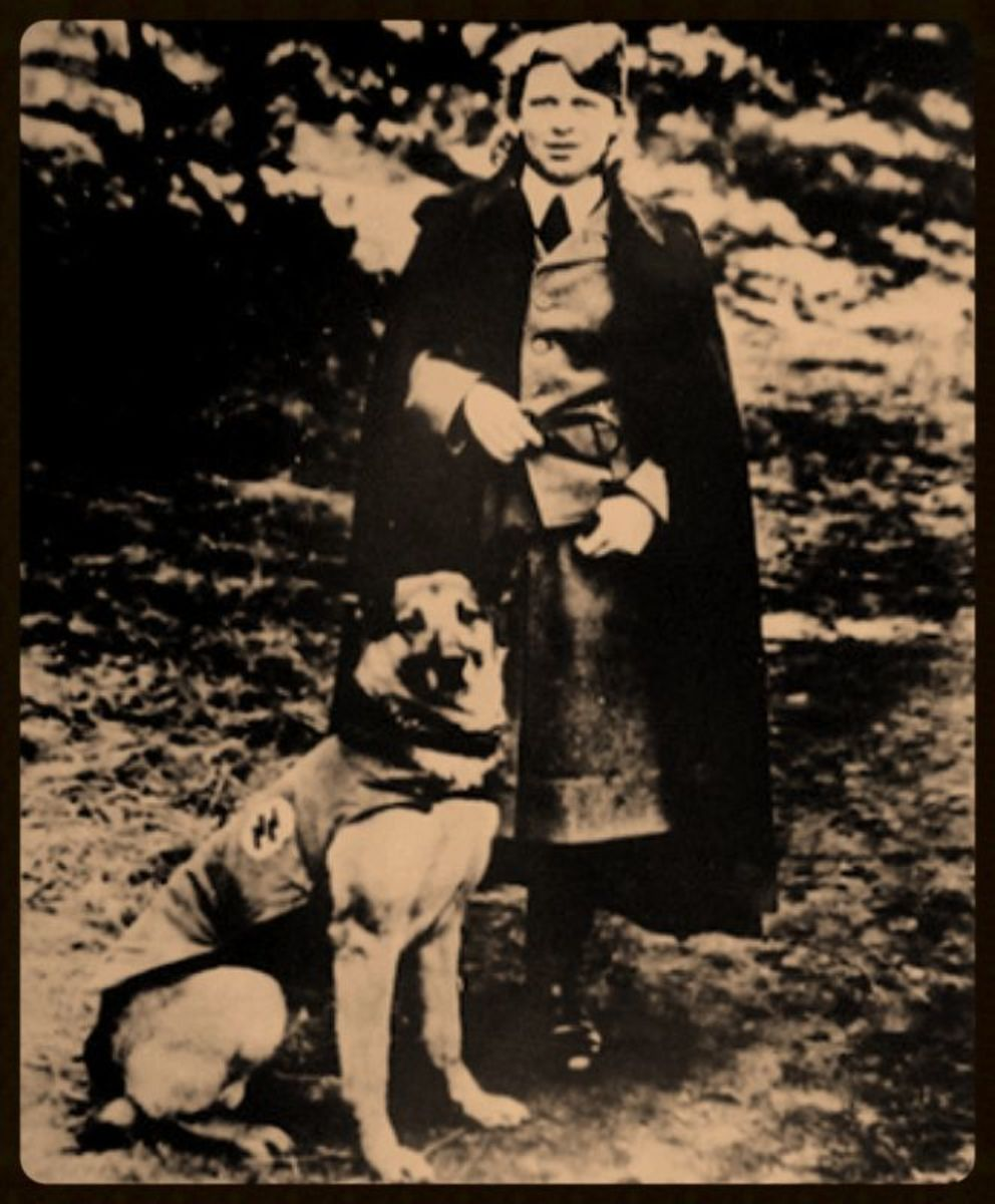 Elfriede Huth in her SS uniform with her dog