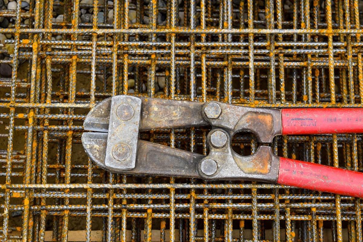A bolt cutters
