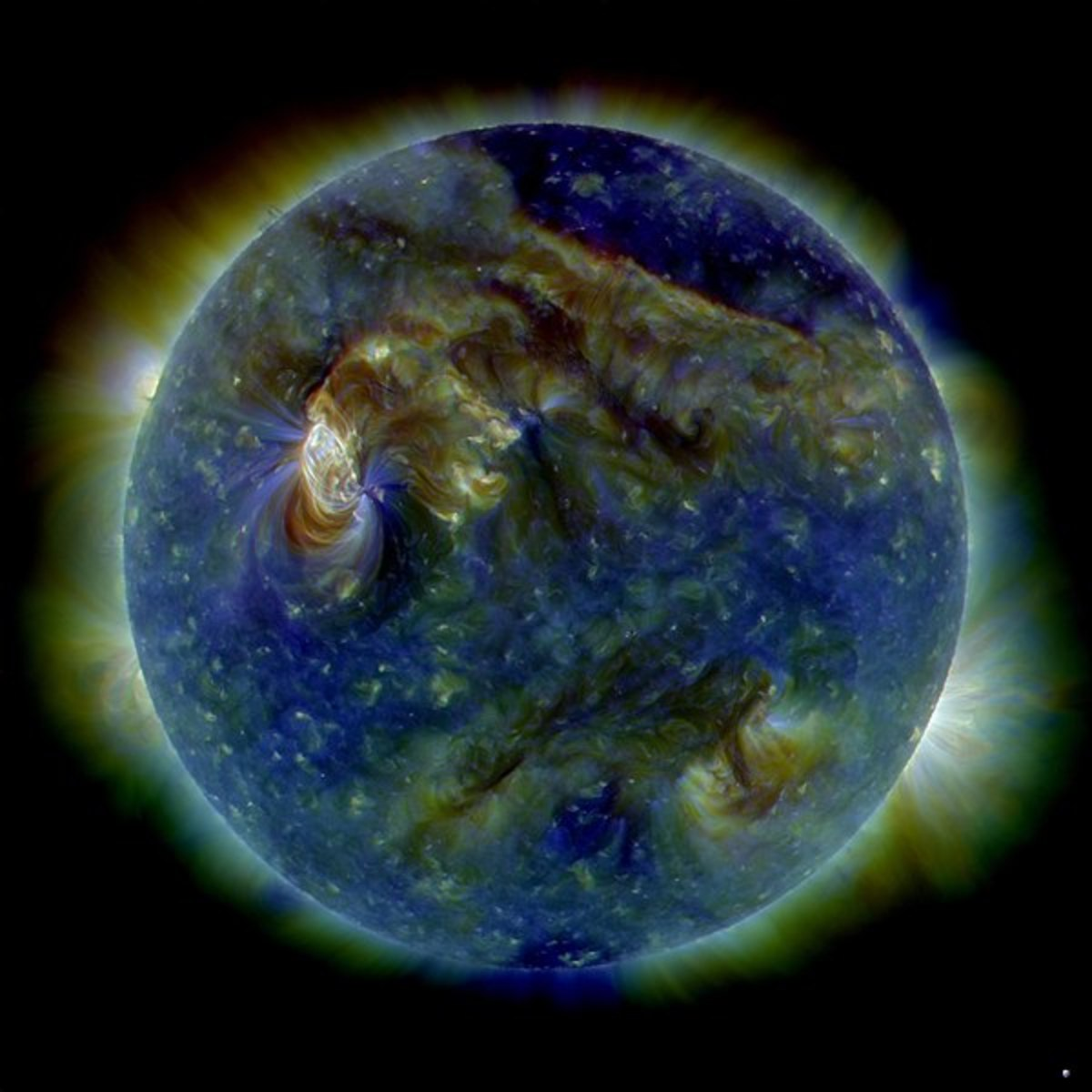 This image is a computer composite showing the effects of a solar eruption on the earth's magnetic field
