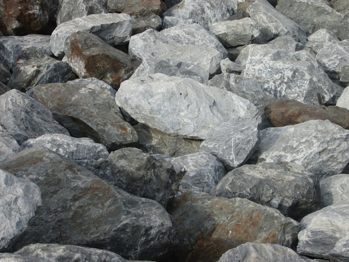 Just imagine being pummeled with sharp stones such as these!