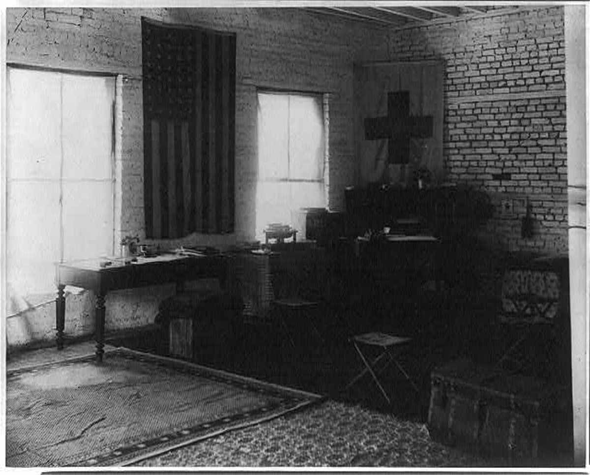 Clara Barton sets up headquarters in Johnstown Pa after the historical flood of 1889
