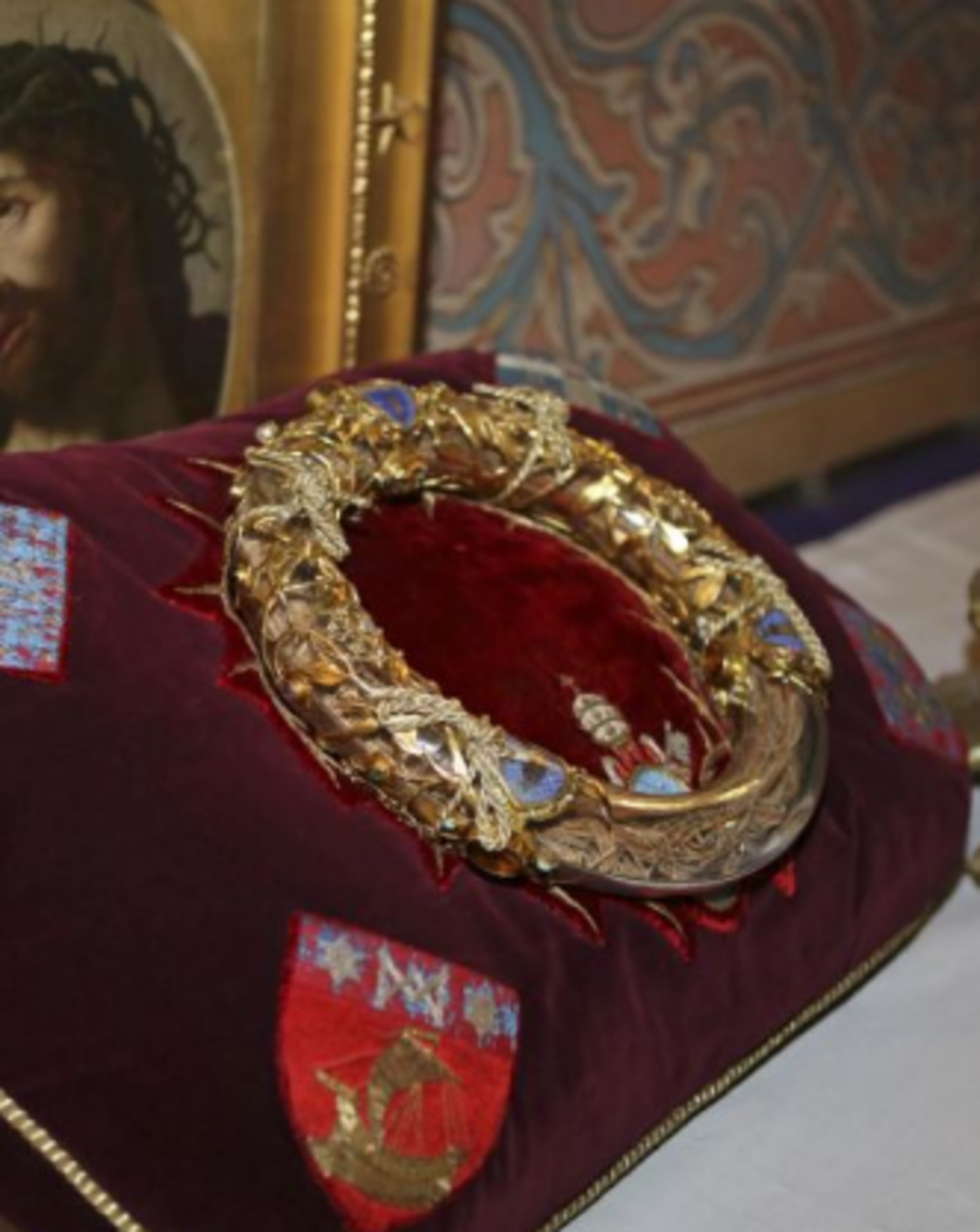 Crown of thorns at Notre-Dame Cathedratl