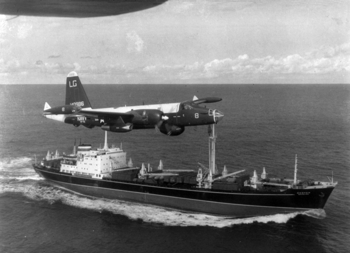 American plane flying over Soviet ship during the crisis.