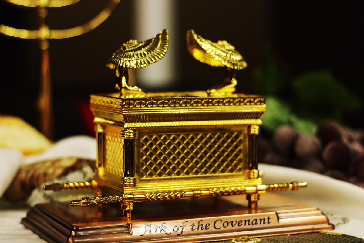 When Menelik visited his father Solomon, Solomon made him a copy of the Ark of the Covenant to take back to Sheba.