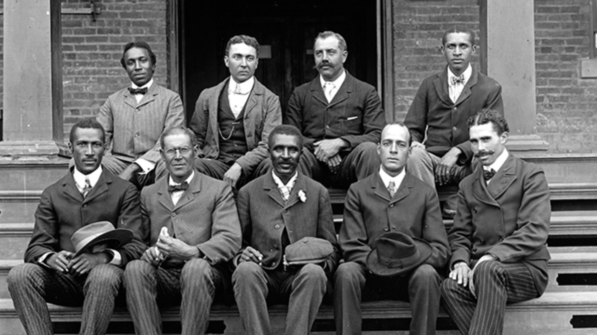George Washington Carver (middle, lower row) and the 1906 Agricultural Department at Tuskegee Institute.