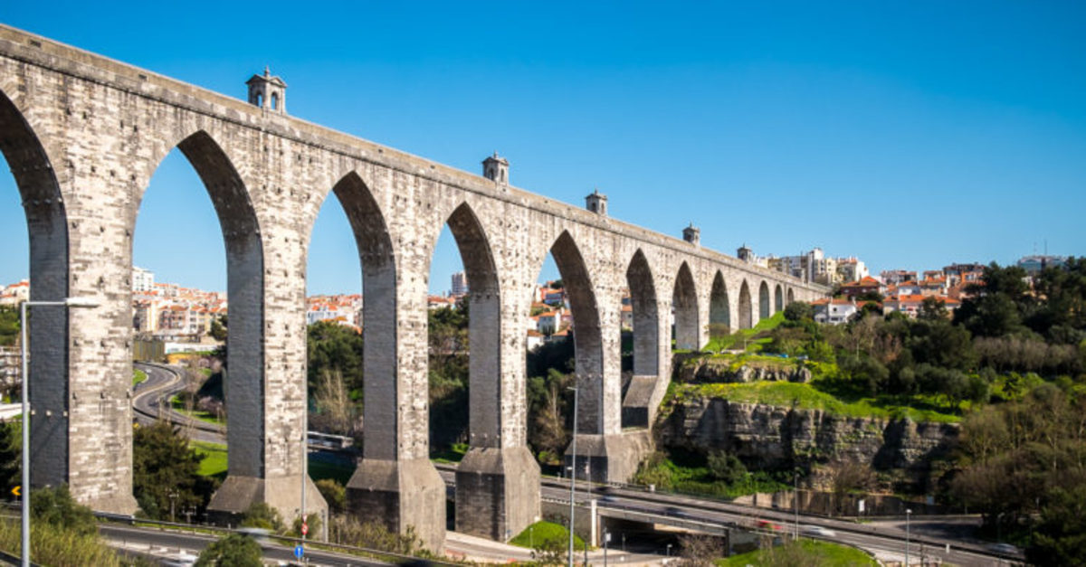 The historic aqueduct.