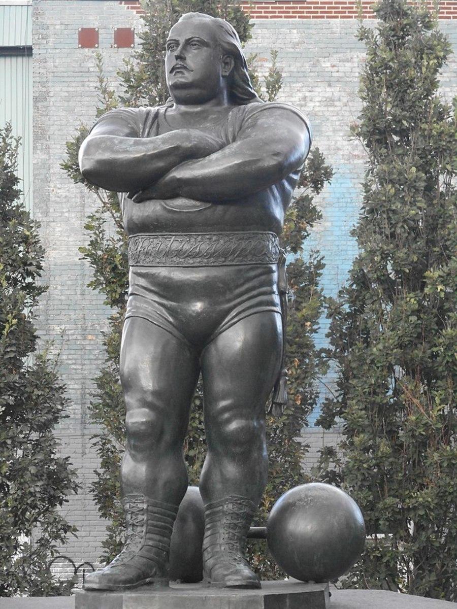 Louis Cyr immortalized.