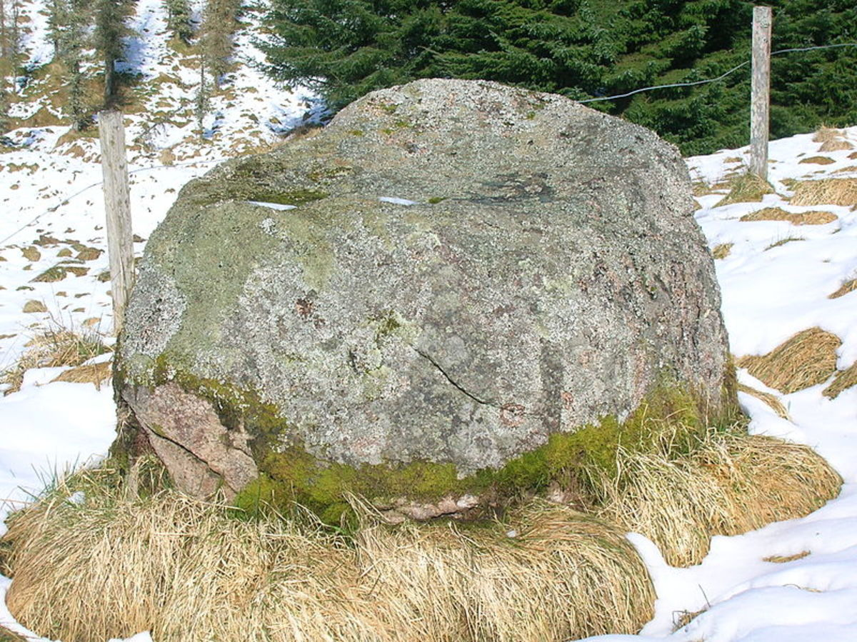 The gowk stane at Laigh Overmuir.