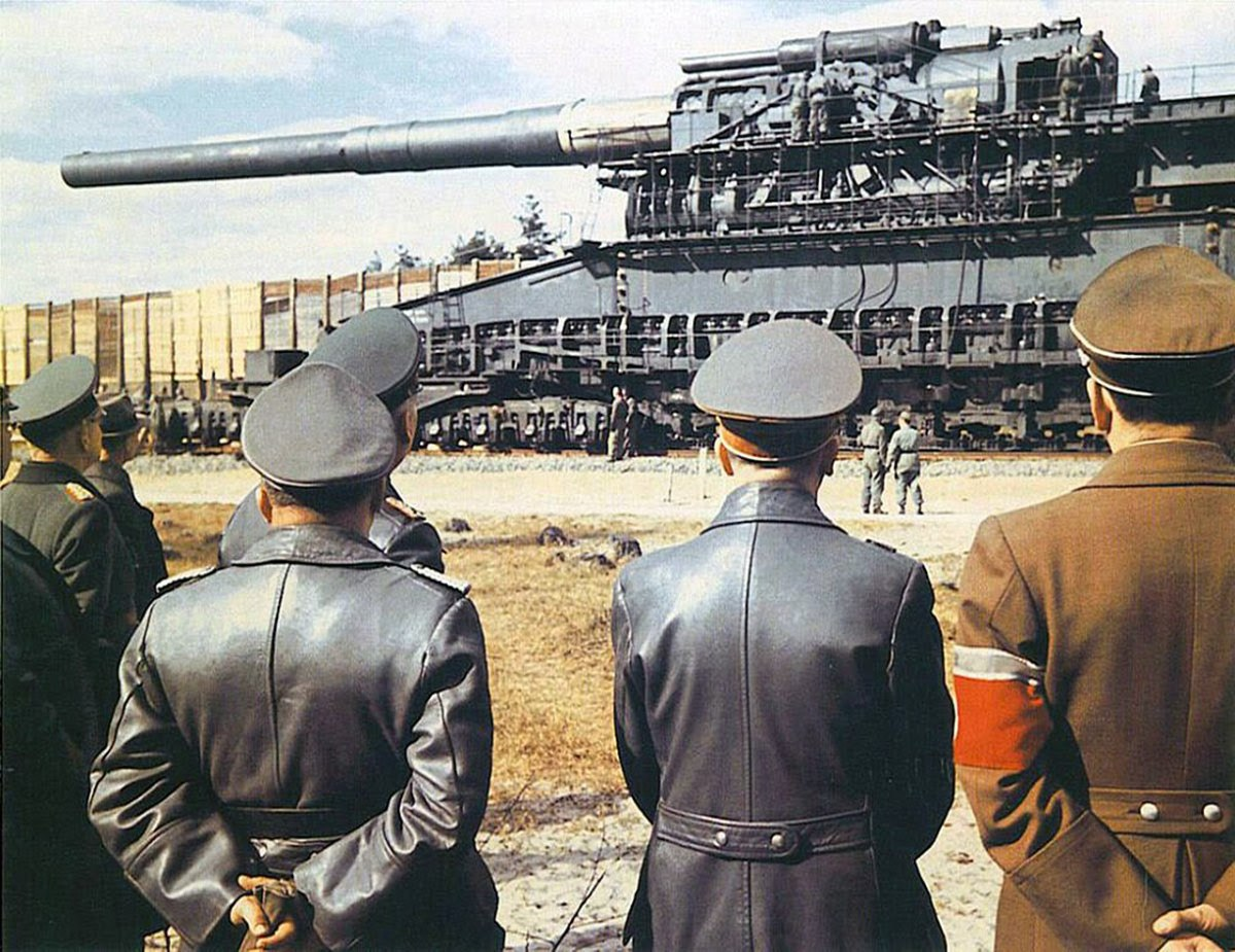 The massive Schwerer Gustav being placed into a defensive position.