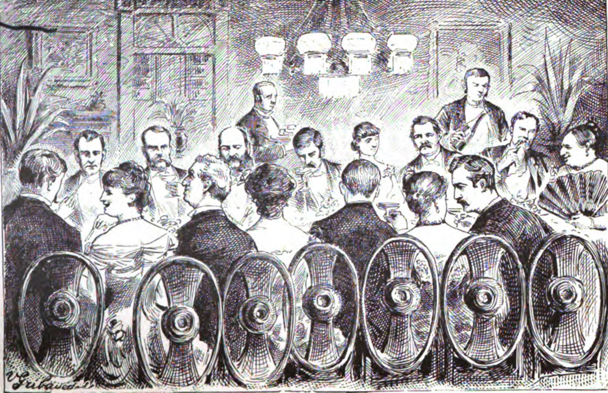 Marm (far right) hosted opulent dinners where cops, crooks, and socialites sat down with one another.