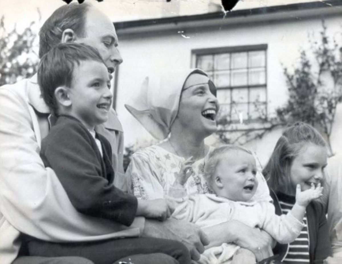 Roald Dahl with first wife and young family