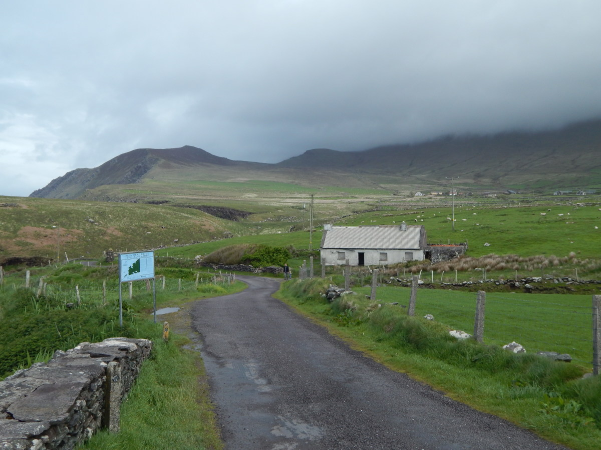 To the right in this photograph, hidden by a cloak of cloud is Más a'Tiompán (Anglicised as Masatiompan). Found on the north side of Mount Brandon on the Dingle Peninsula, Kerry, this hill is named after this lost instrument.