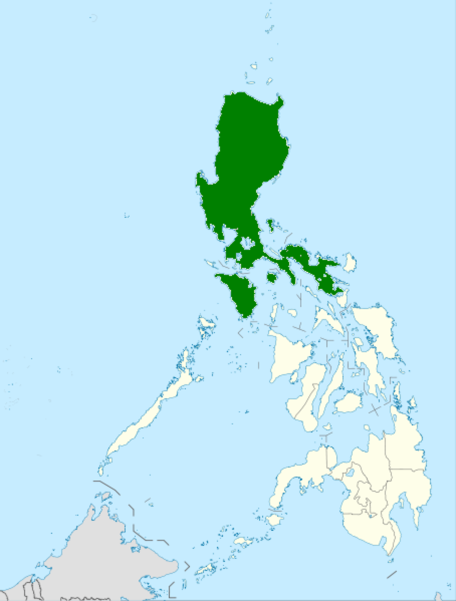 Distribution area of the Philippine Cobra (in green).