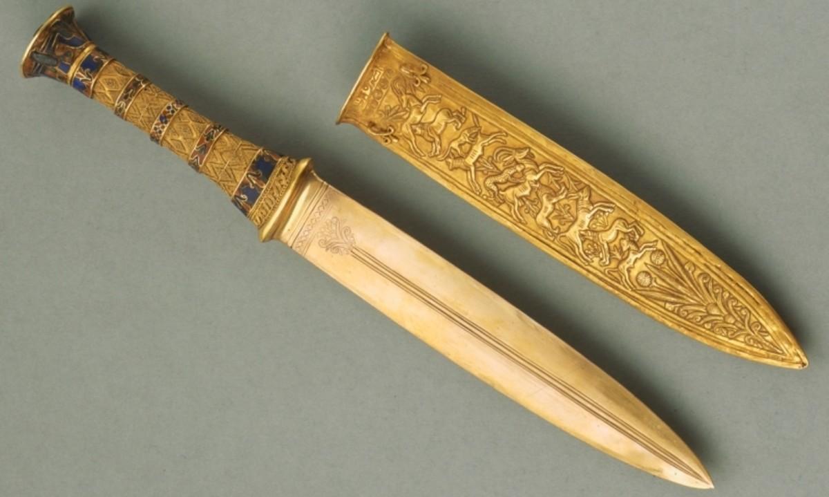 Figure 6: Pharaoh Tutankhamun's dagger