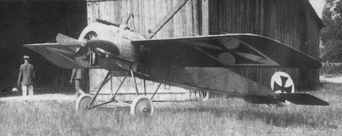 WW1: One of the first German Fokker Eindecker airplanes to have a forward-firing synchronised machine gun. Circa July 1915.