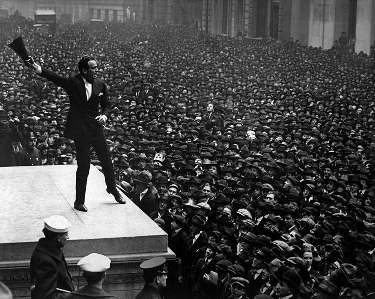 Douglas Fairbanks Jnr addressing a rally for the third Liberty Bond issue.
