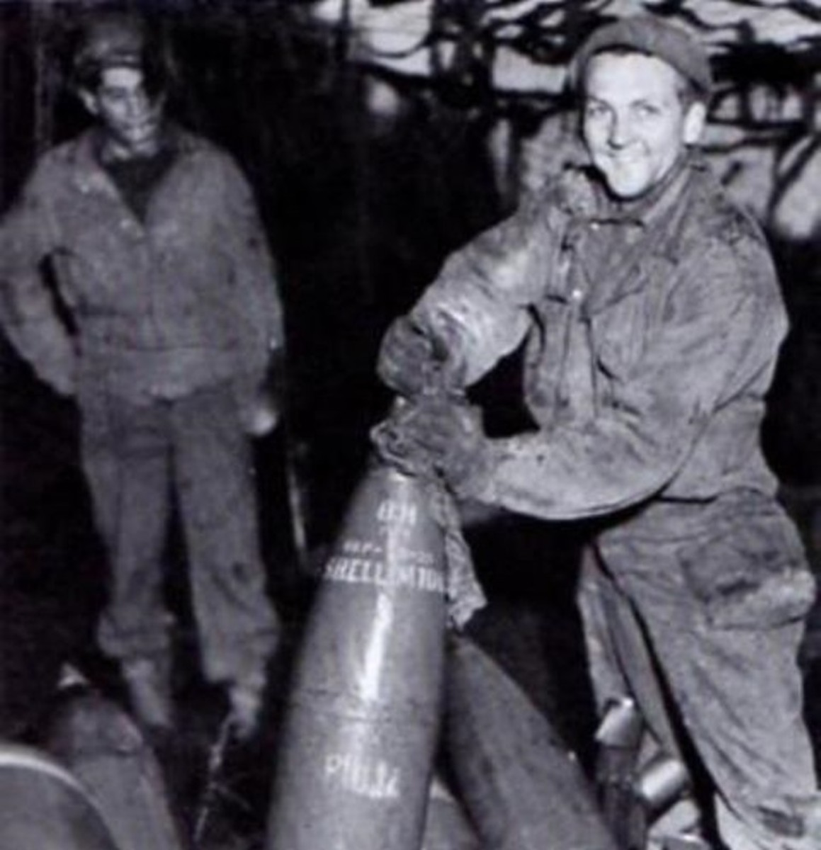 Priming an 8 inch shell