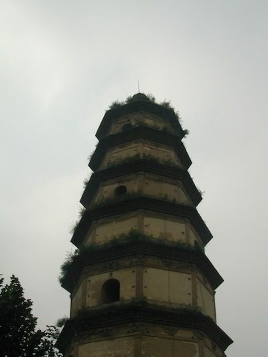 The Daqin Christian pagoda near Xi'an in China - Tang Dynasty