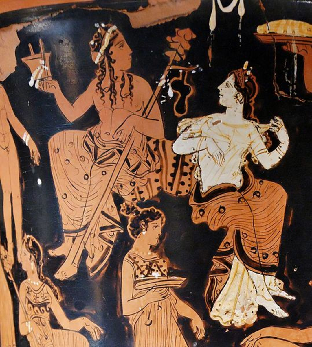 Greek red figure Kalix Crater showing Dionysus and Ariadne. 400-375 BCE