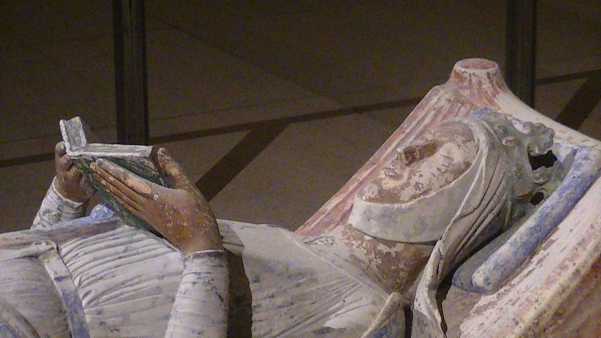 Eleanor's effigy at Fontevraud Abbey