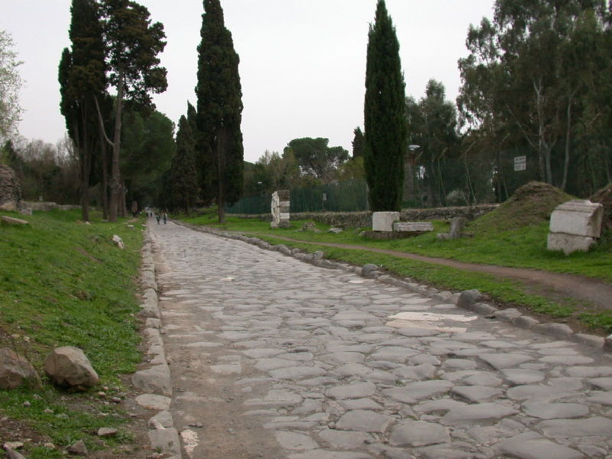 Roman road by MM on wikimedia commons