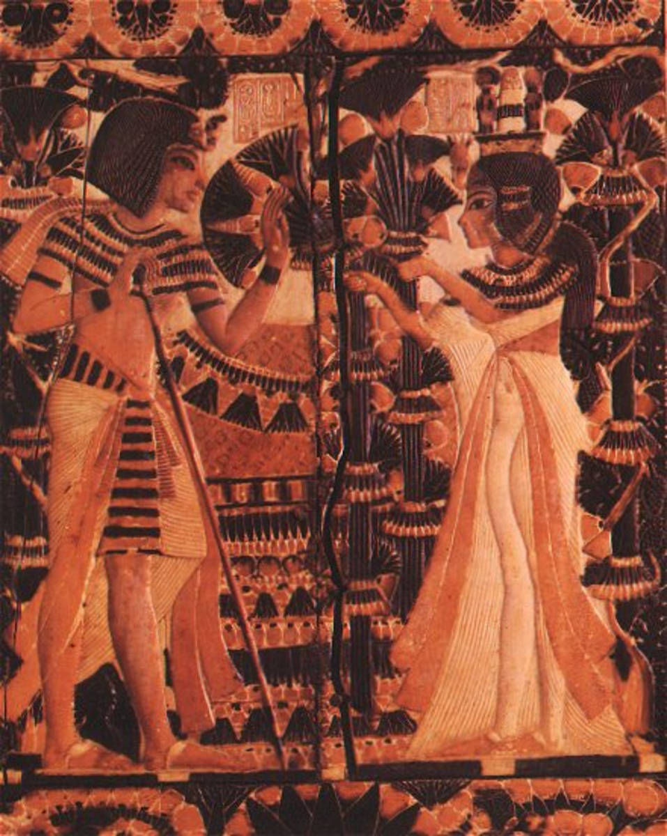 Ankhesesamun offering flowers to Tutankhamun