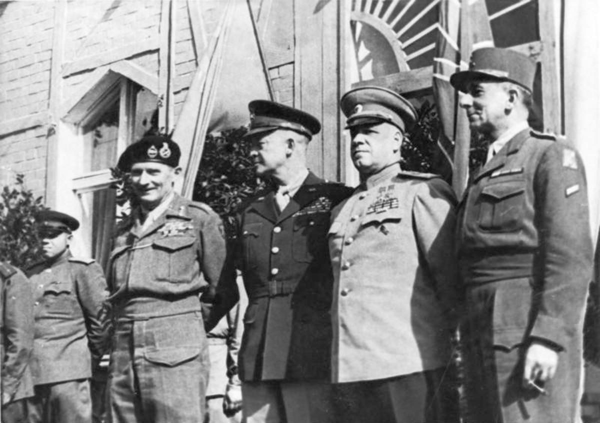 Monty standing next to Eisenhower