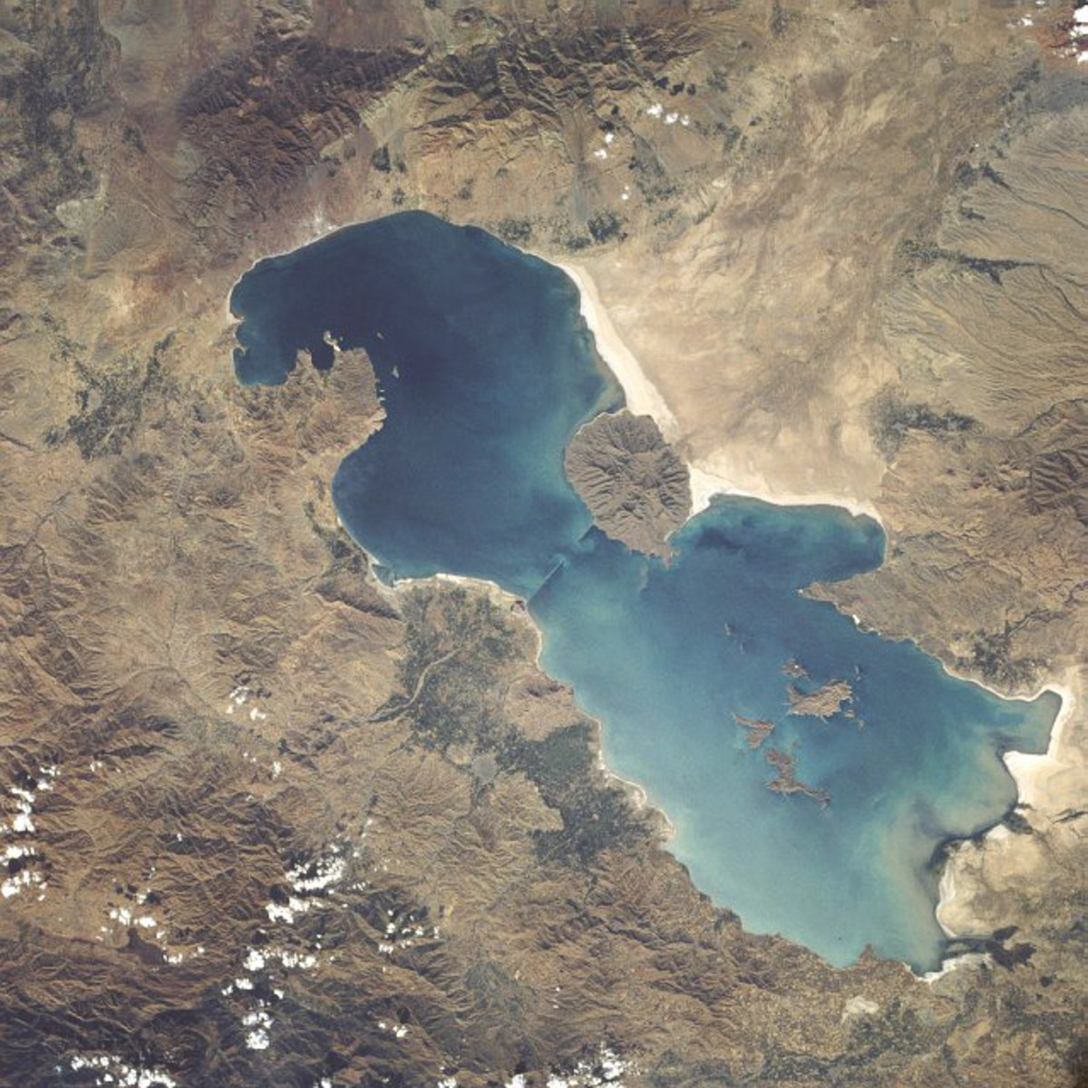 Lake Urmia in 1984