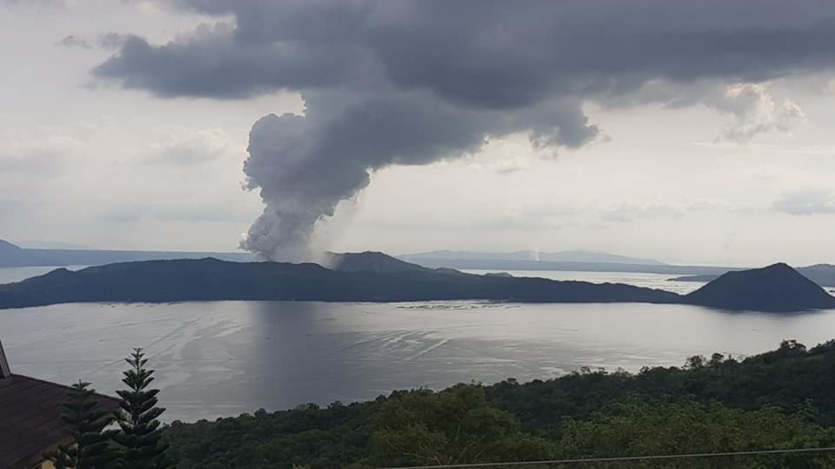 On January 10, the Taal volcano of the Philippines began emitting large quantities of ash