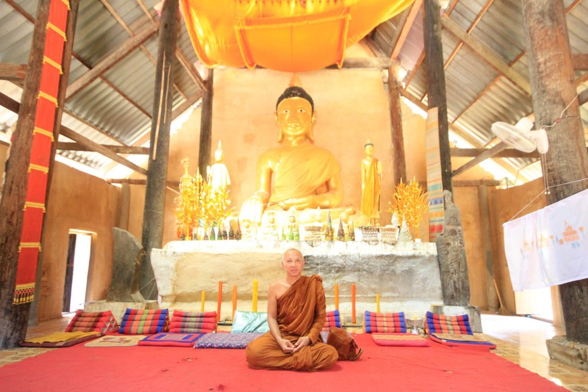 Buddhists follow the teachings of the Buddha.