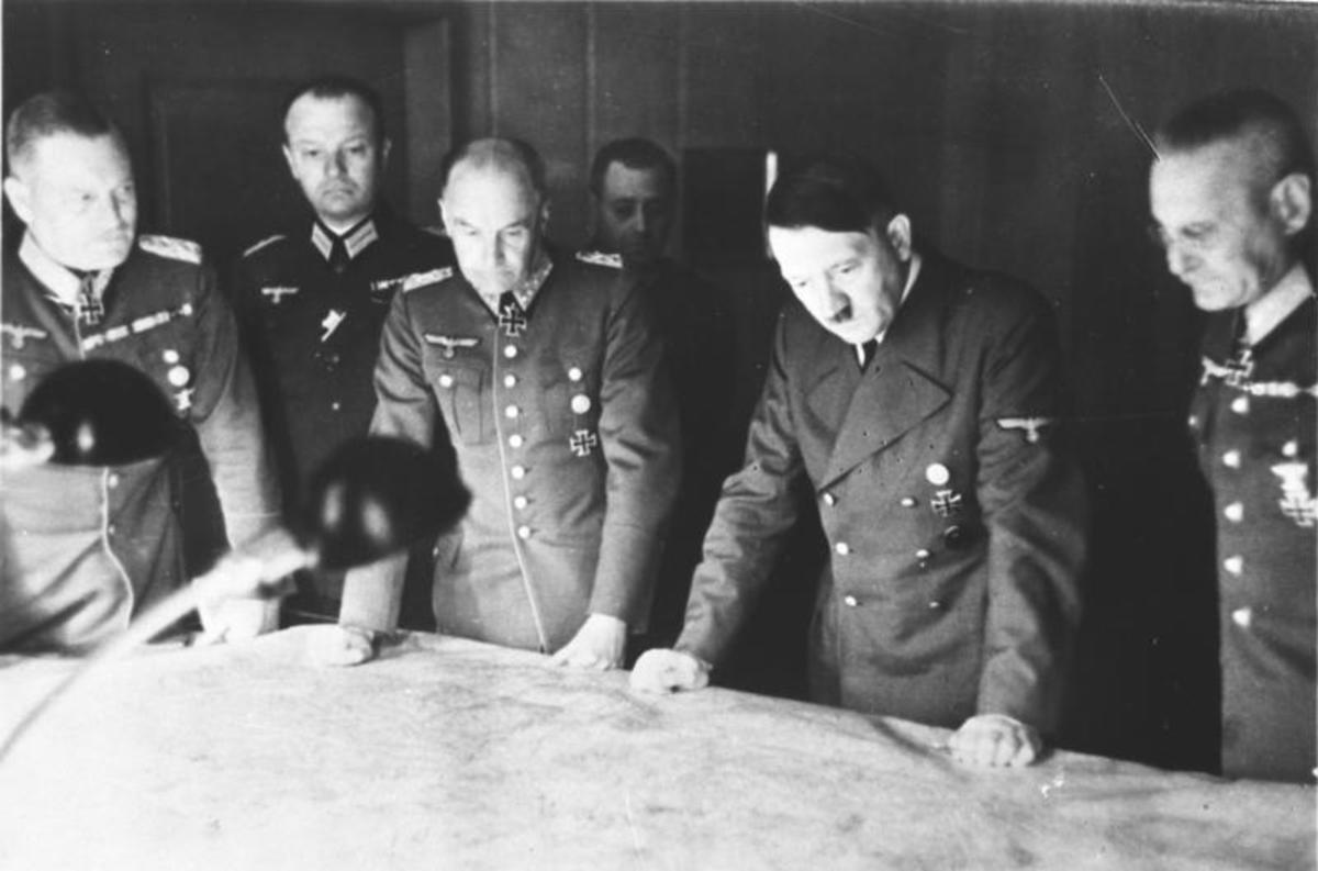 Hitler planning an attack with his generals.