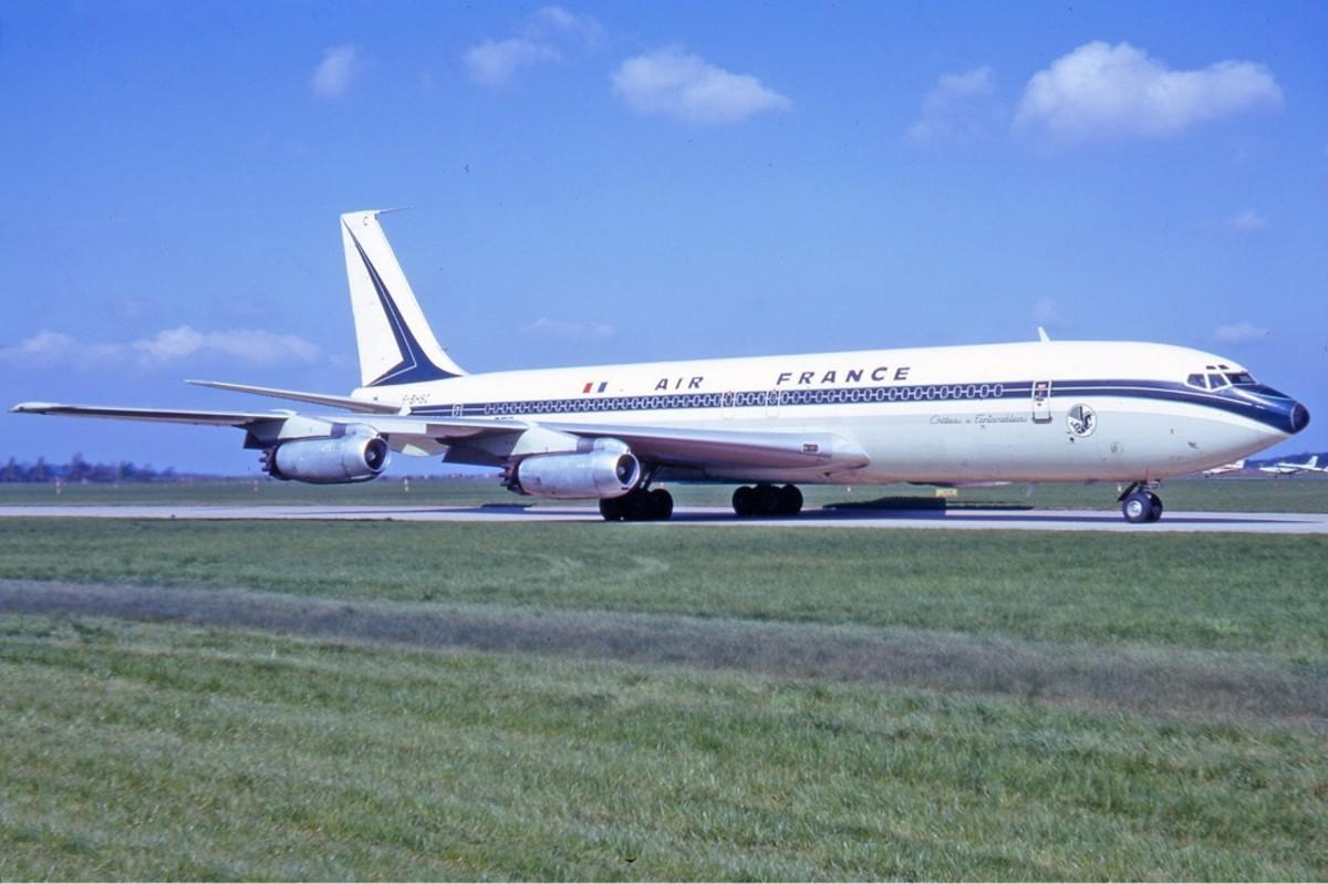 An Air France 707, 1972.