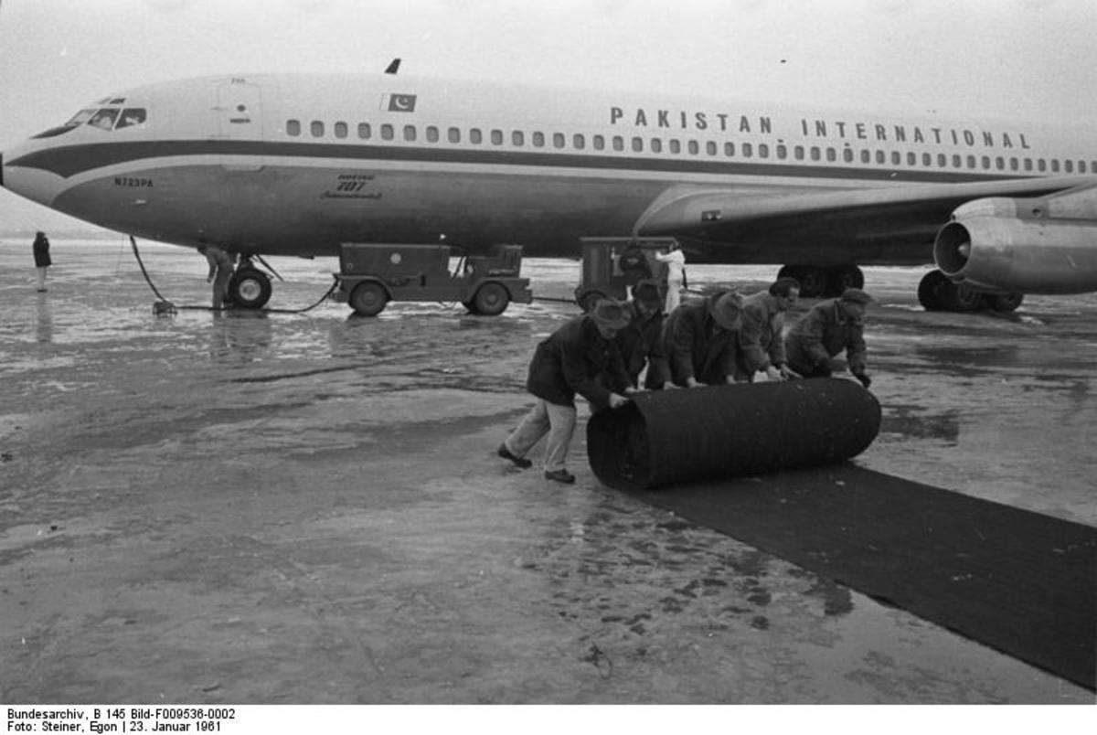 A Pakistan International 707 carrying Pakistani President Ayub Khan, Germany, January 1961.