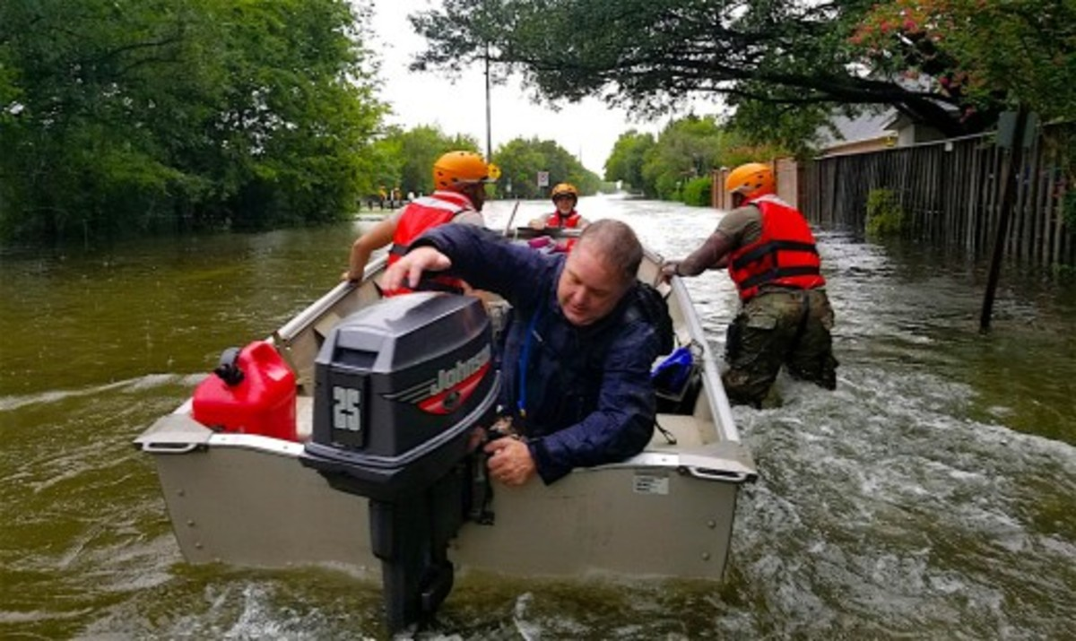 Thousands of volunteers from north Texas and surrounding states showed up with their boats to help rescue stranded homeowners.