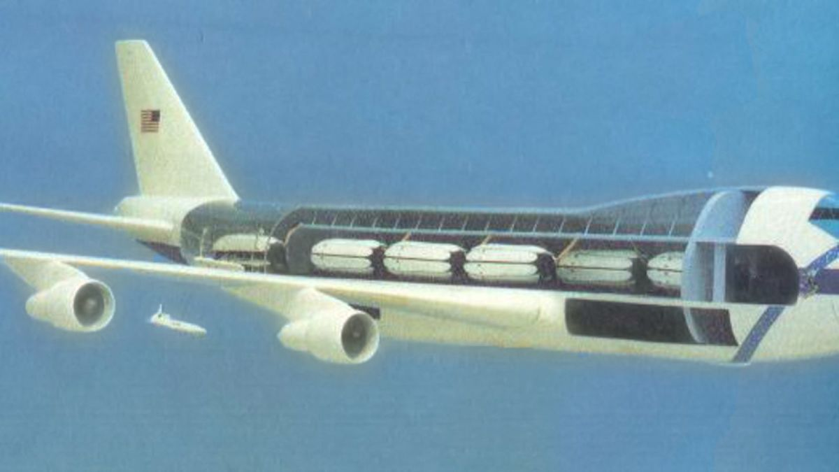 The 747 CMCA launching a cruise missile.