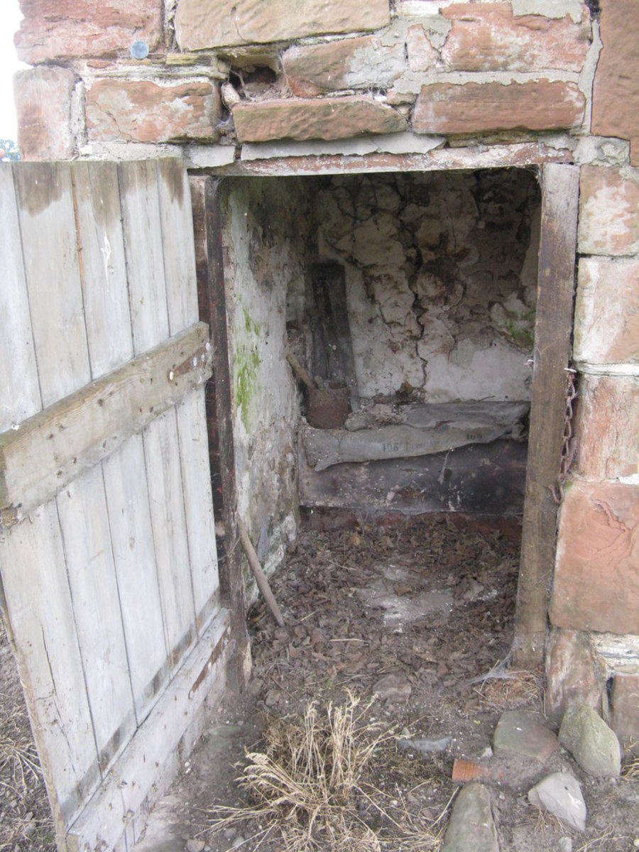 "A Victorian privy: ""Abandon hope all ye who enter here."""